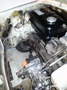 Getriebe wieder aufgefüllt und eingebaut und gereinigt. Tank gereinigt, versiegelt und lackiert.